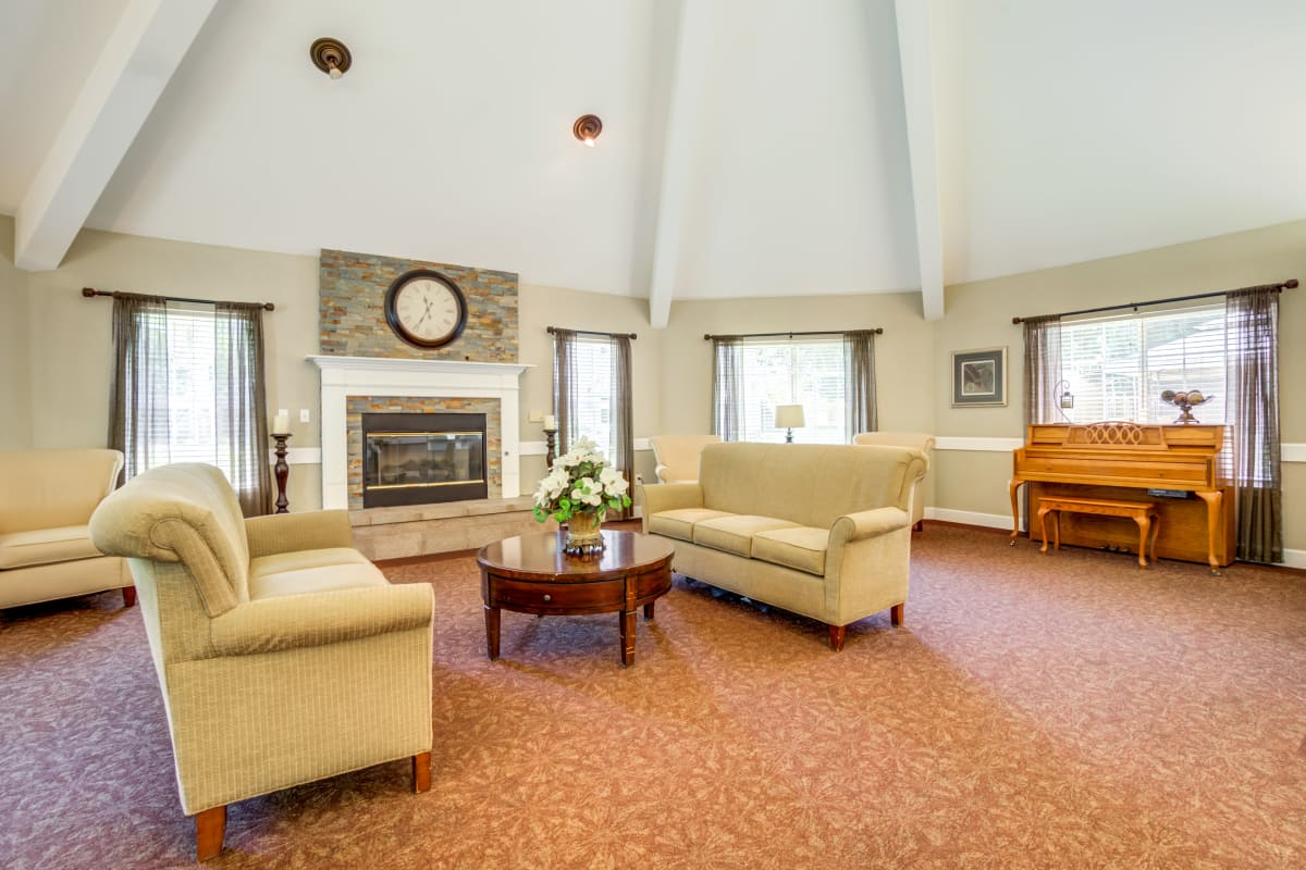 well decorated living room at Cottonwood Court in Fresno, California