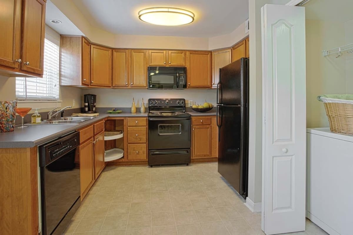A view of the kitchen at Maple Bay Townhomes in Virginia Beach, Virginia