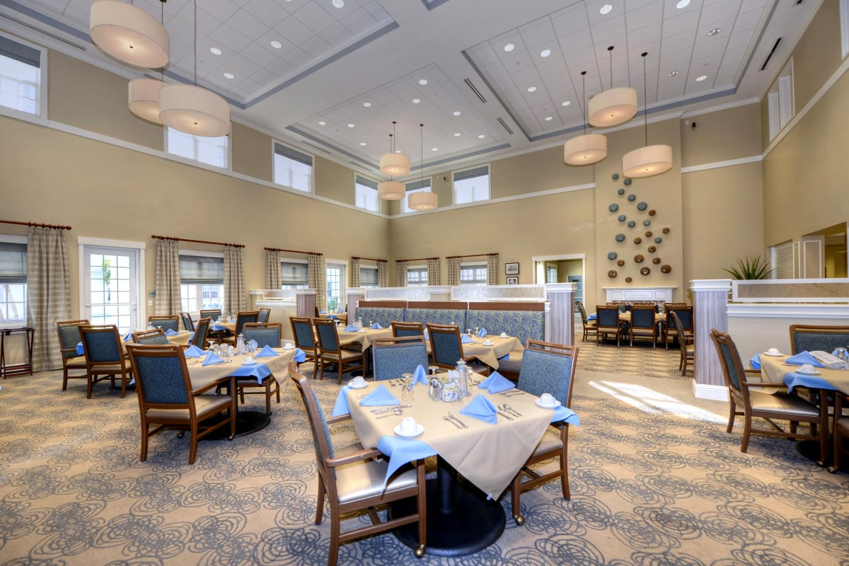Primary dining room at Beach House Assisted Living & Memory Care Naples in Naples, Florida