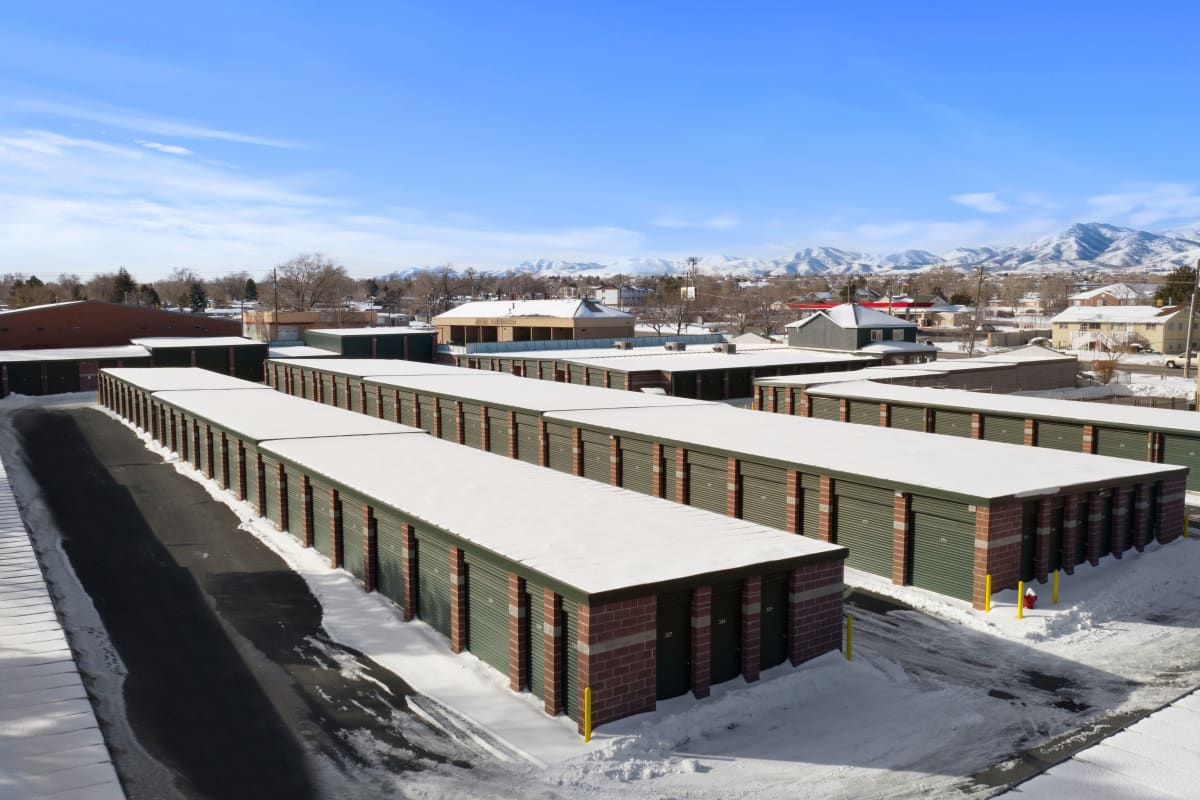 Exterior of units at Storage Star Fairfield in Fairfield, California