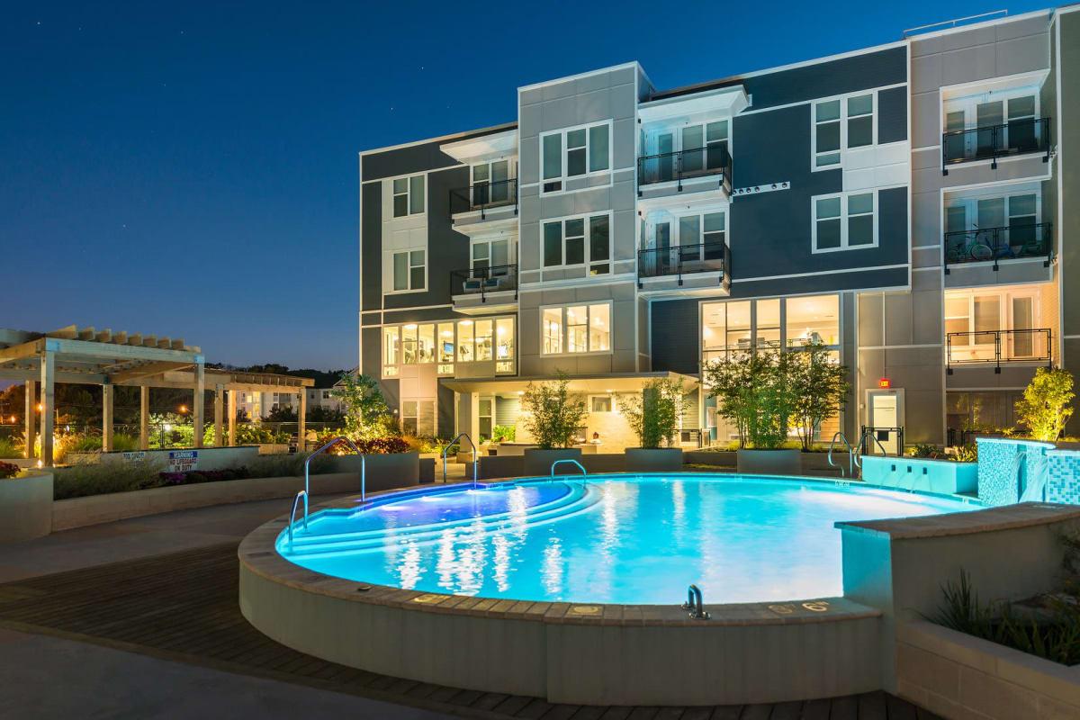 Fabulous swimming pool at Indigo 19 in Virginia Beach, Virginia