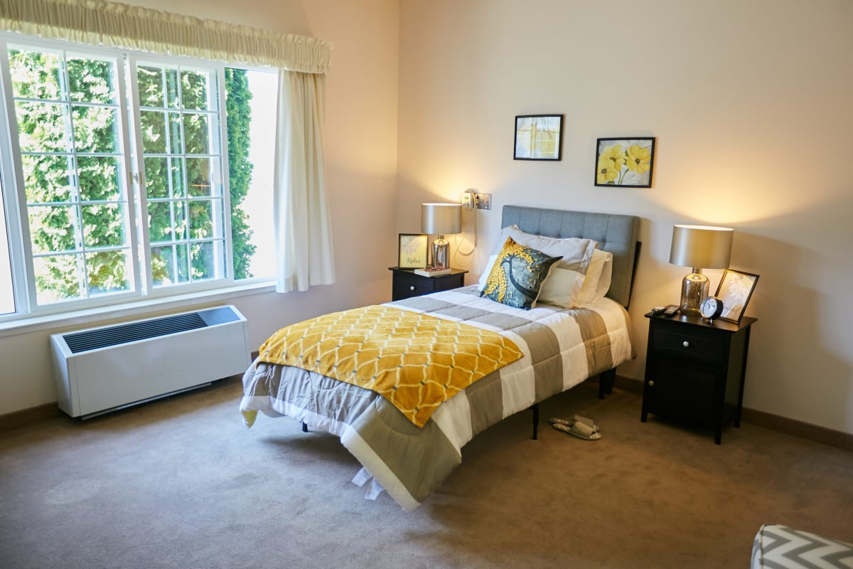 Studio senior apartment with lots of space at Ashley Pointe in Lake Stevens, Washington