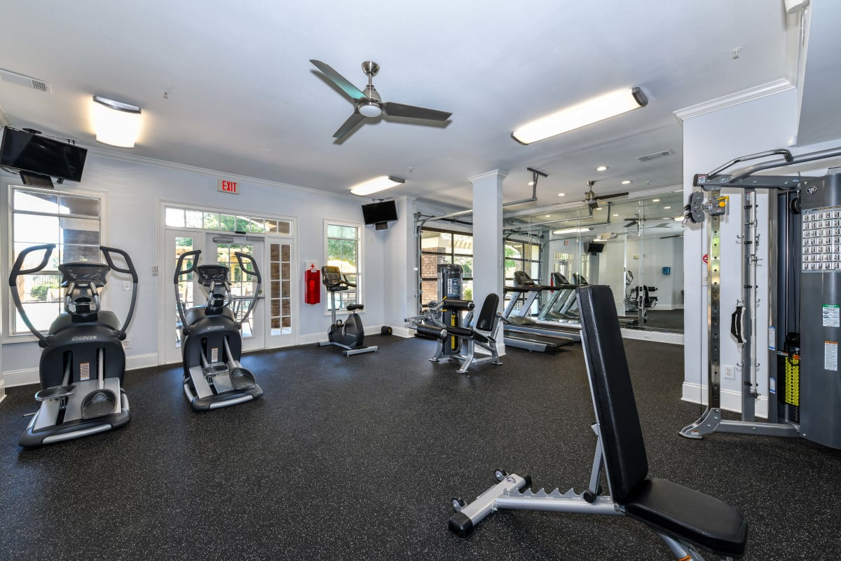 Well-equipped onsite fitness center at 860 South in Stockbridge, Georgia