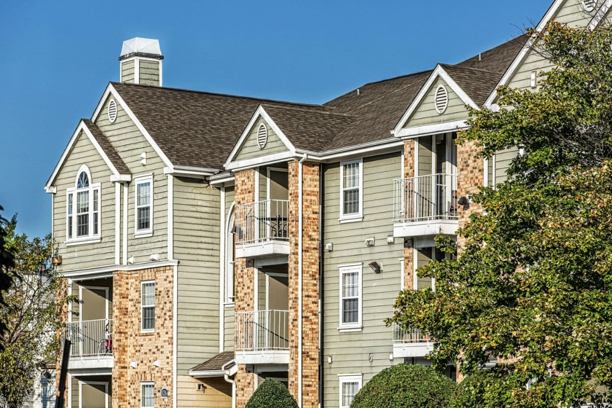 Exterior of The Views at Laurel Lakes's building in Laurel, Maryland