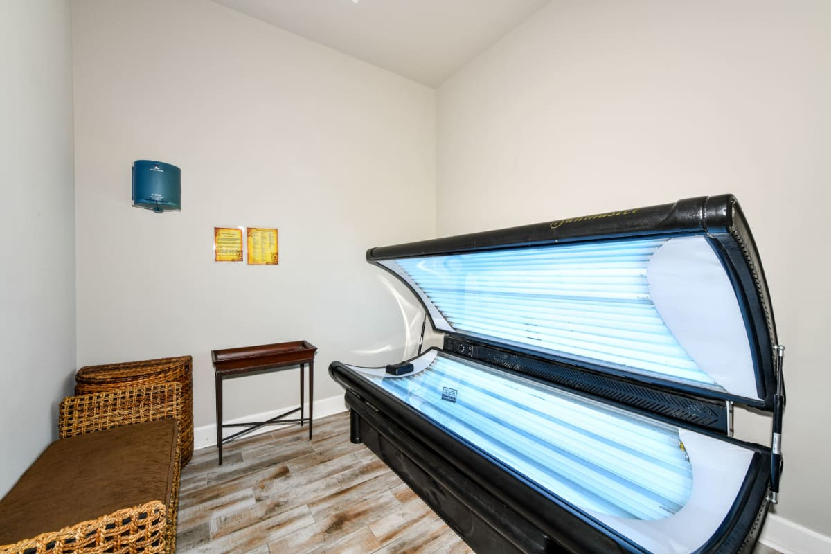 Tanning bed at Courtney Isles in Yulee, Florida