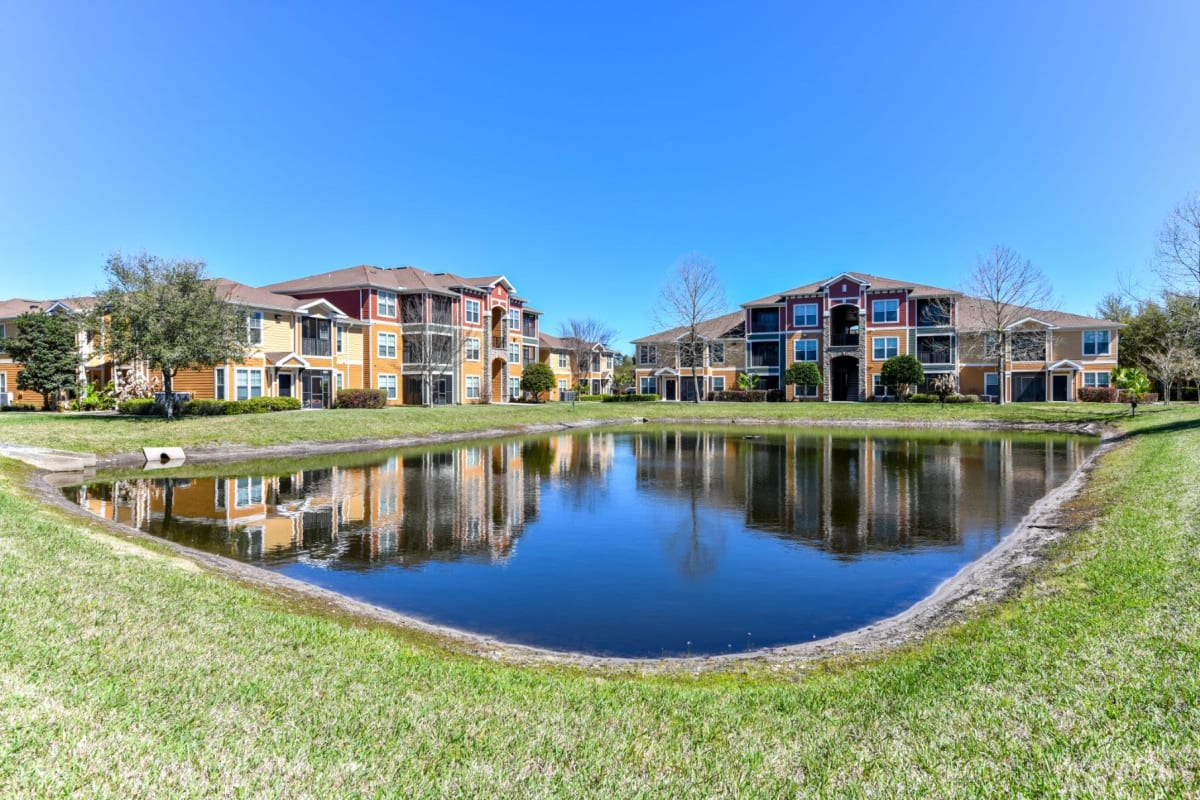 Lush landscaping at Courtney Isles in Yulee, Florida