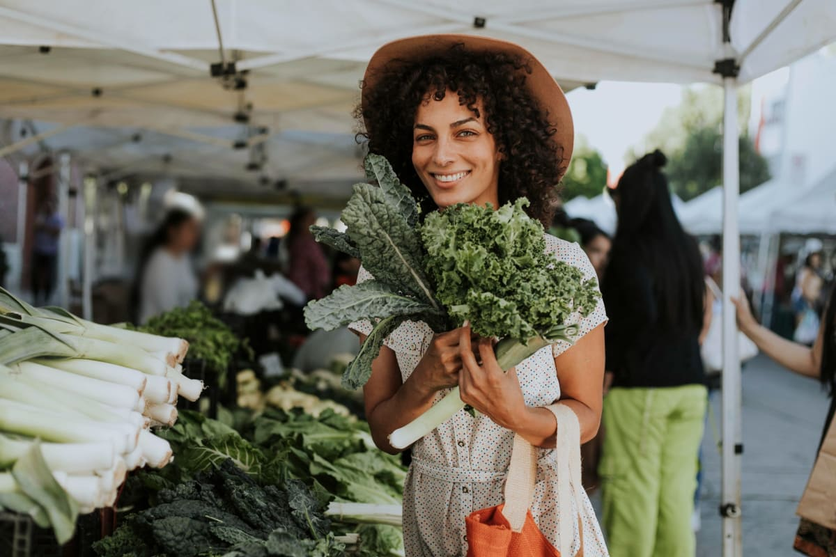 Resident shopping at a local farmers market at Autumn Ridge in Waukee, Iowa
