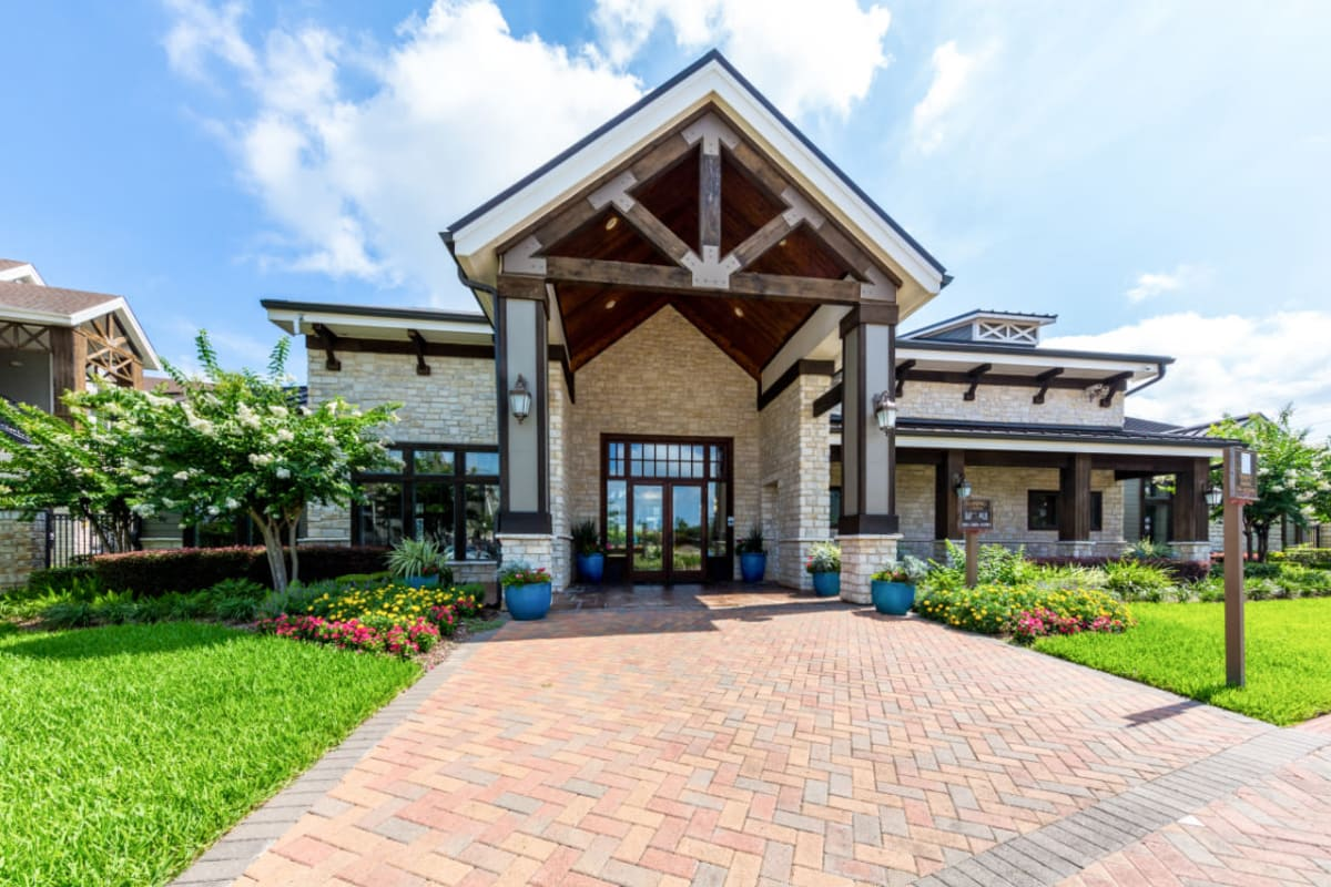 Enter to the leasing office in Sugar Land, Texas from Marquis at Sugar Land
