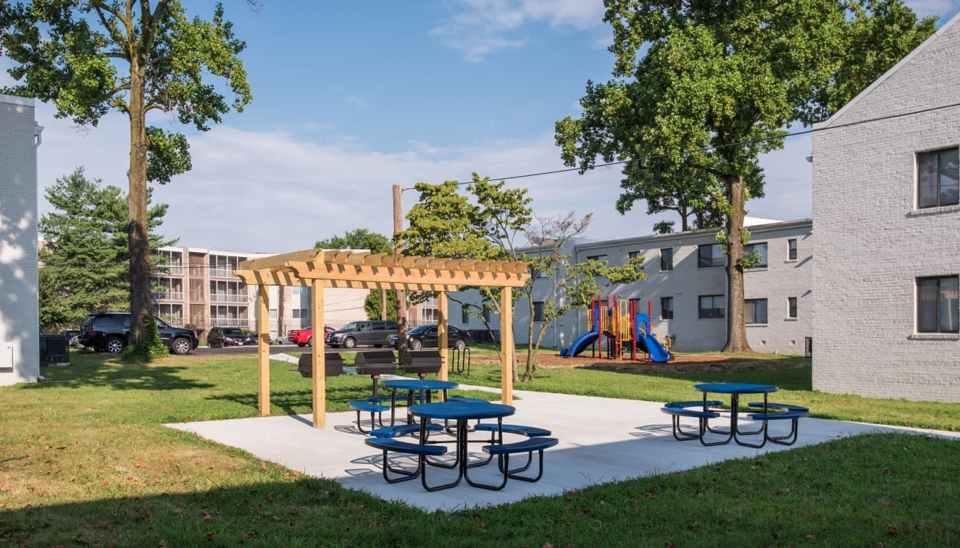 Resident picnic area and pergola at The Residences at Silver Hill in Suitland, MD