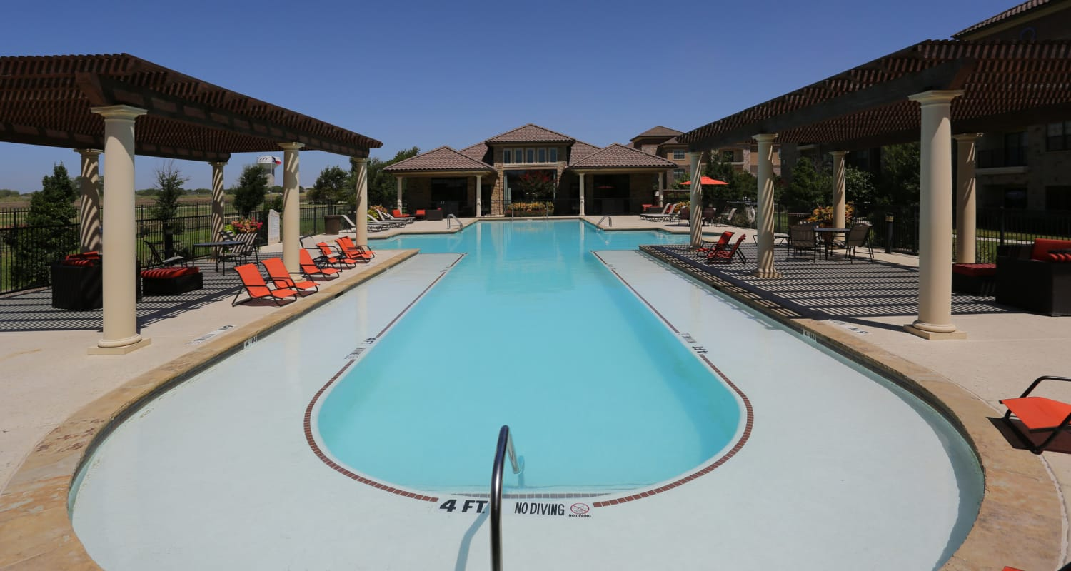 Beautiful swimming pool at Evolv in Mansfield, Texas