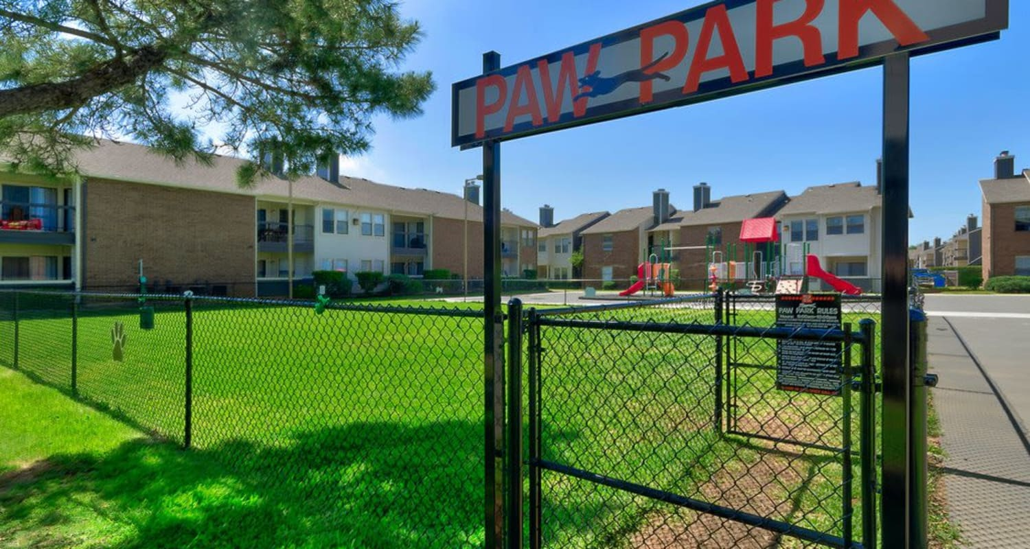 Ridgeview Place onsite dog park in Irving, Texas