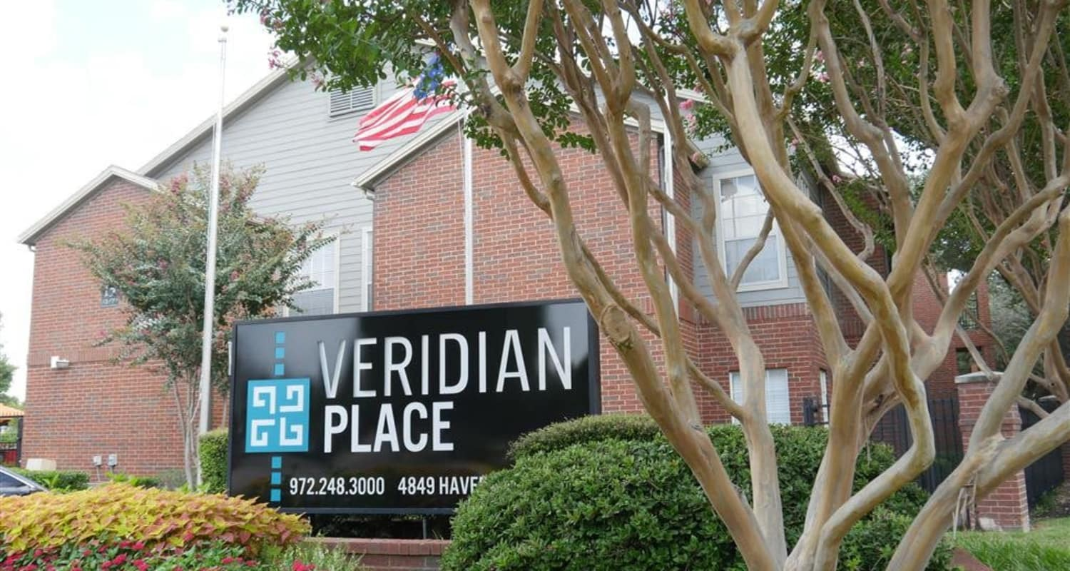 Veridian Place's monuments sign in Dallas, Texas