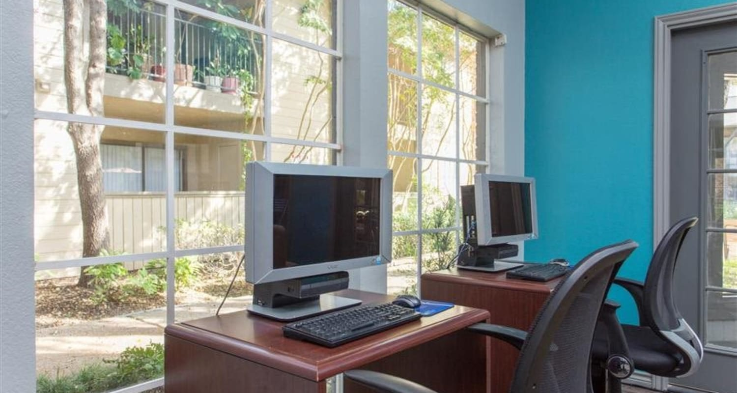 Resident business center at The Regent in Dallas, Texas