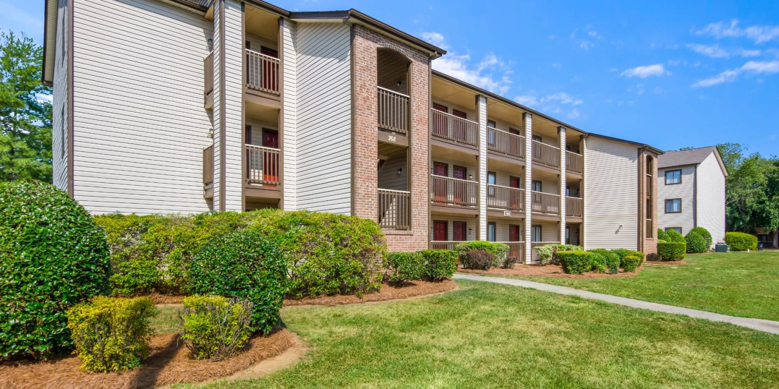 Exterior ground view of  Gable Oaks Apartment Homes in Rock Hill, South Carolina