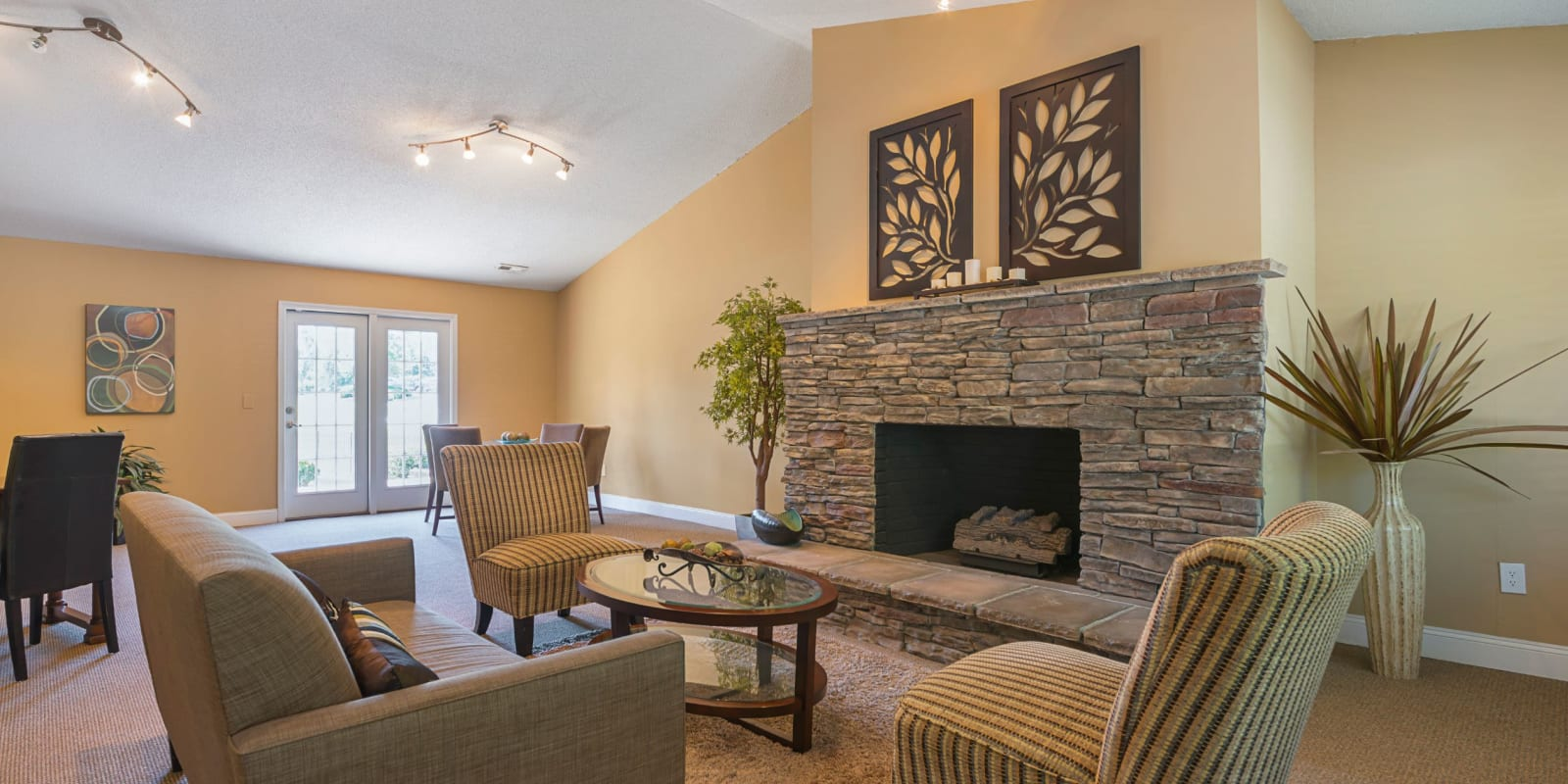 A spacious clubhouse with comfortable seating at Lakewood Apartment Homes in Salisbury, North Carolina