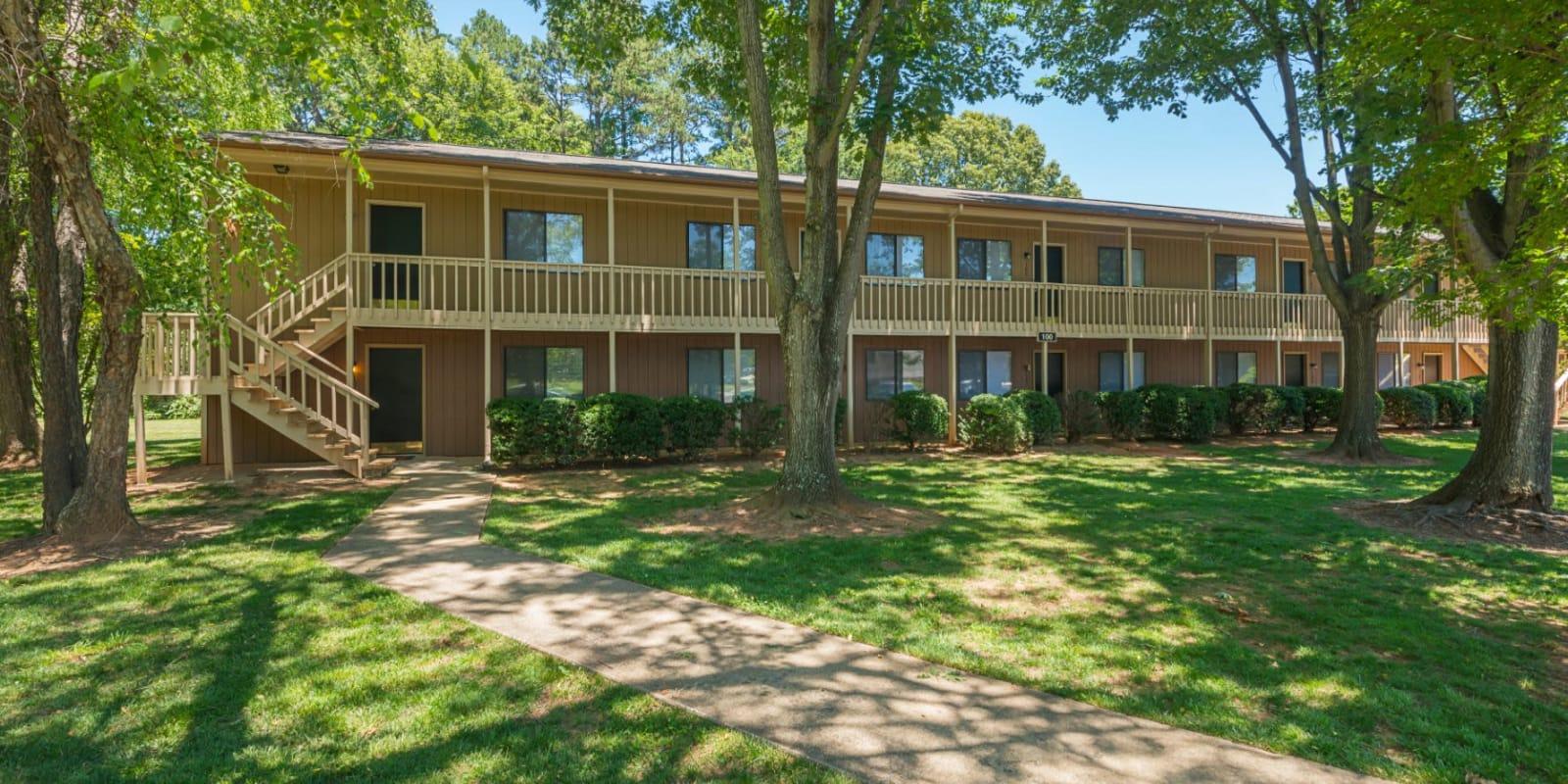 Contemporary exterior of Lakewood Apartment Homes in Salisbury, North Carolina