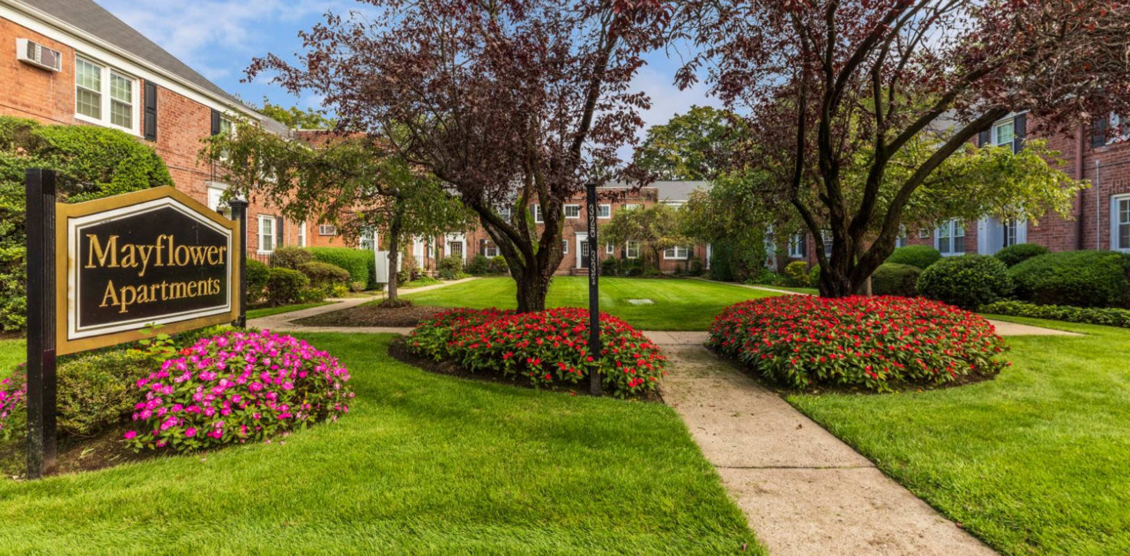 Lush landscaping at Mayflower Apartments in Ridgewood, New Jersey