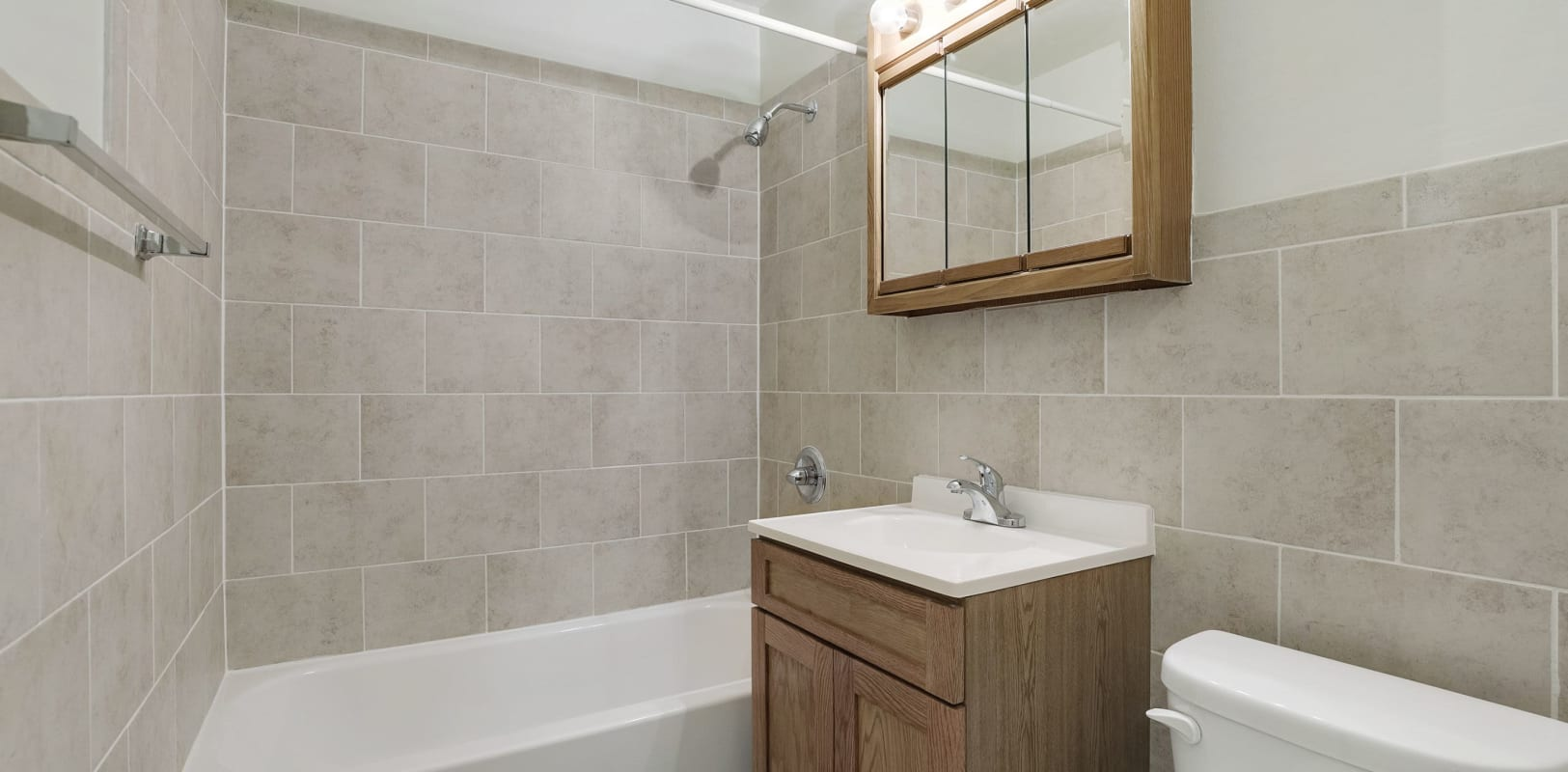 Clean bathroom at Nieuw Amsterdam Village in South Amboy, New Jersey
