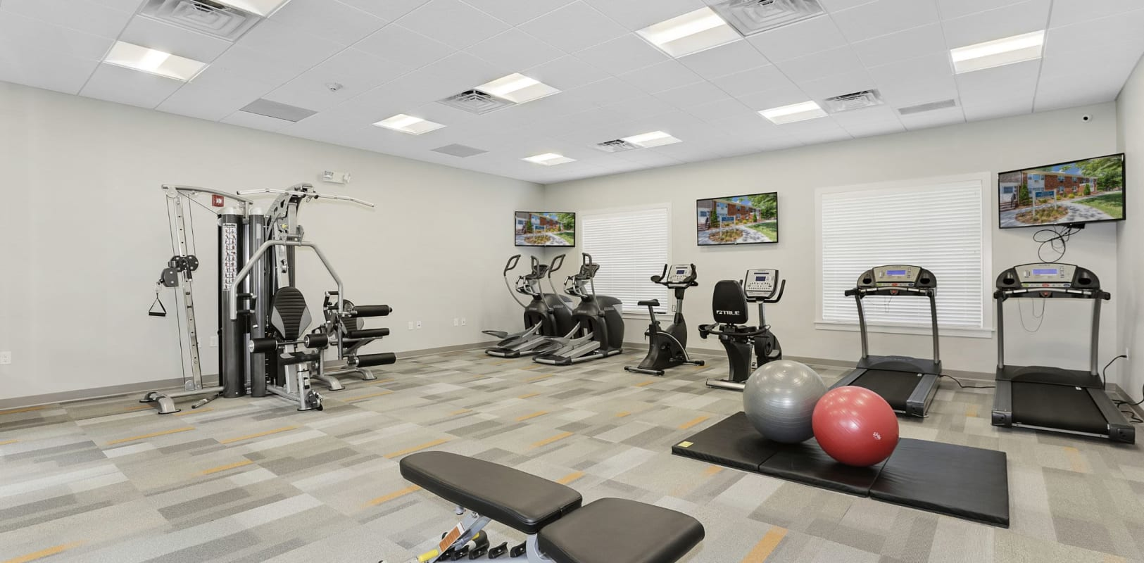 Fully equipped fitness center at Nieuw Amsterdam Village in South Amboy, New Jersey