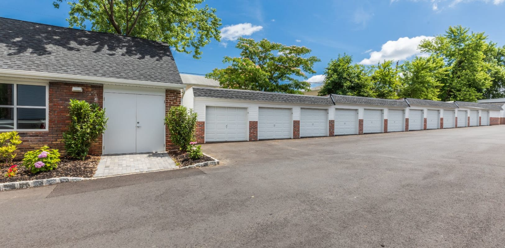 Garages available at Nieuw Amsterdam Village in South Amboy, New Jersey