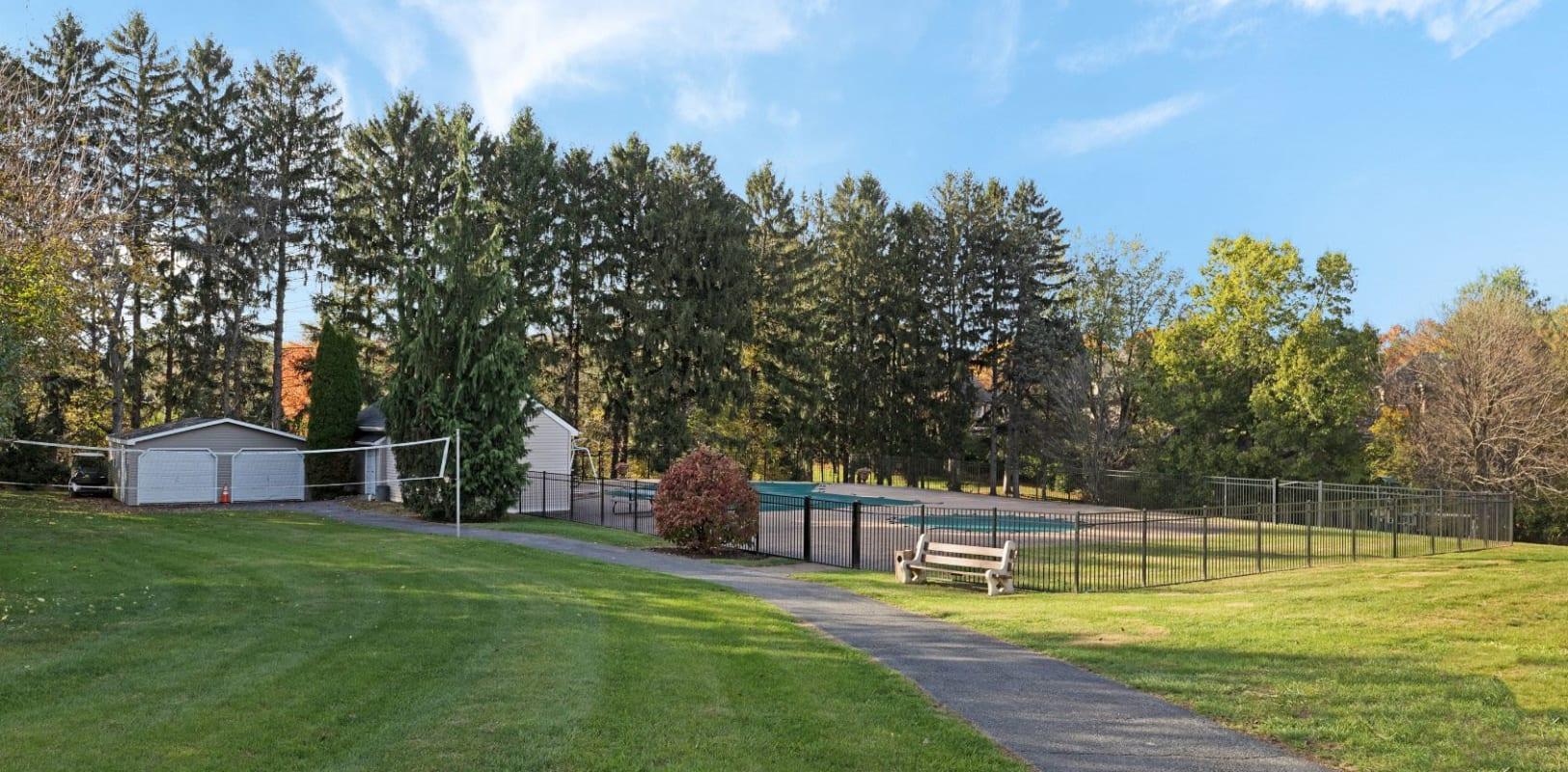 Lush landscaping at Bridle Path Apartments in Bethlehem, Pennsylvania