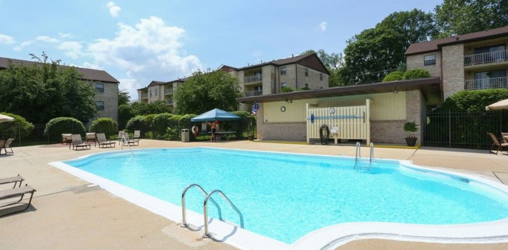 Resort-style swimming pool at Country Club in Reading, Pennsylvania