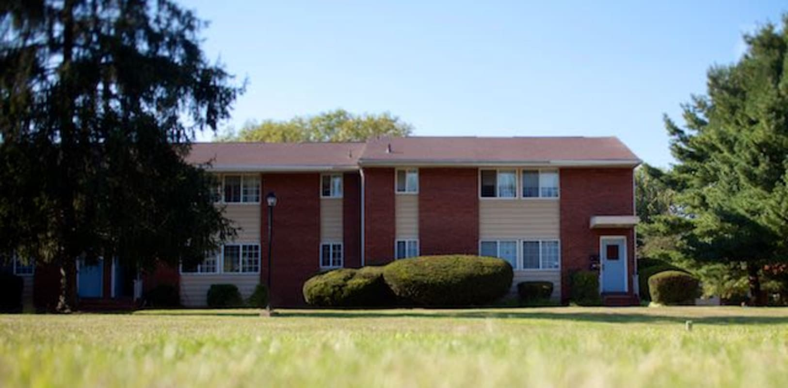 Exterior of Eastgate Apartments in Ewing, New Jersey