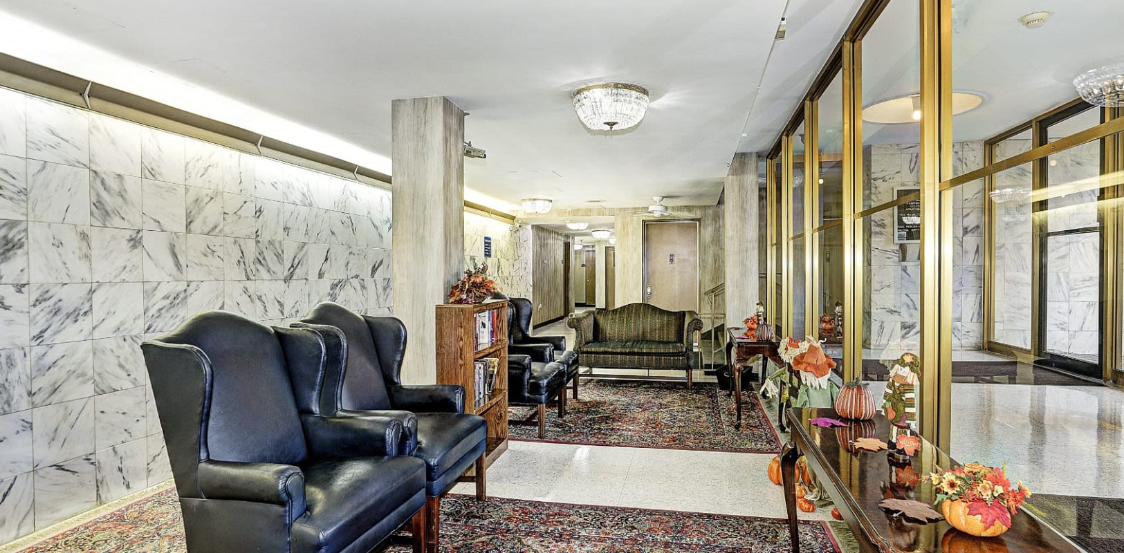 Lobby area at Hampshire House in Allentown, Pennsylvania