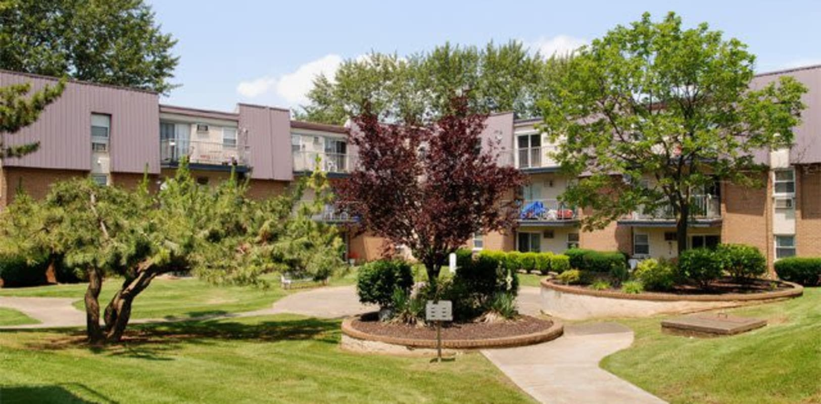 Nice sunny apartment courtyard at Lehigh Valley in Whitehall, {location_state_name}}
