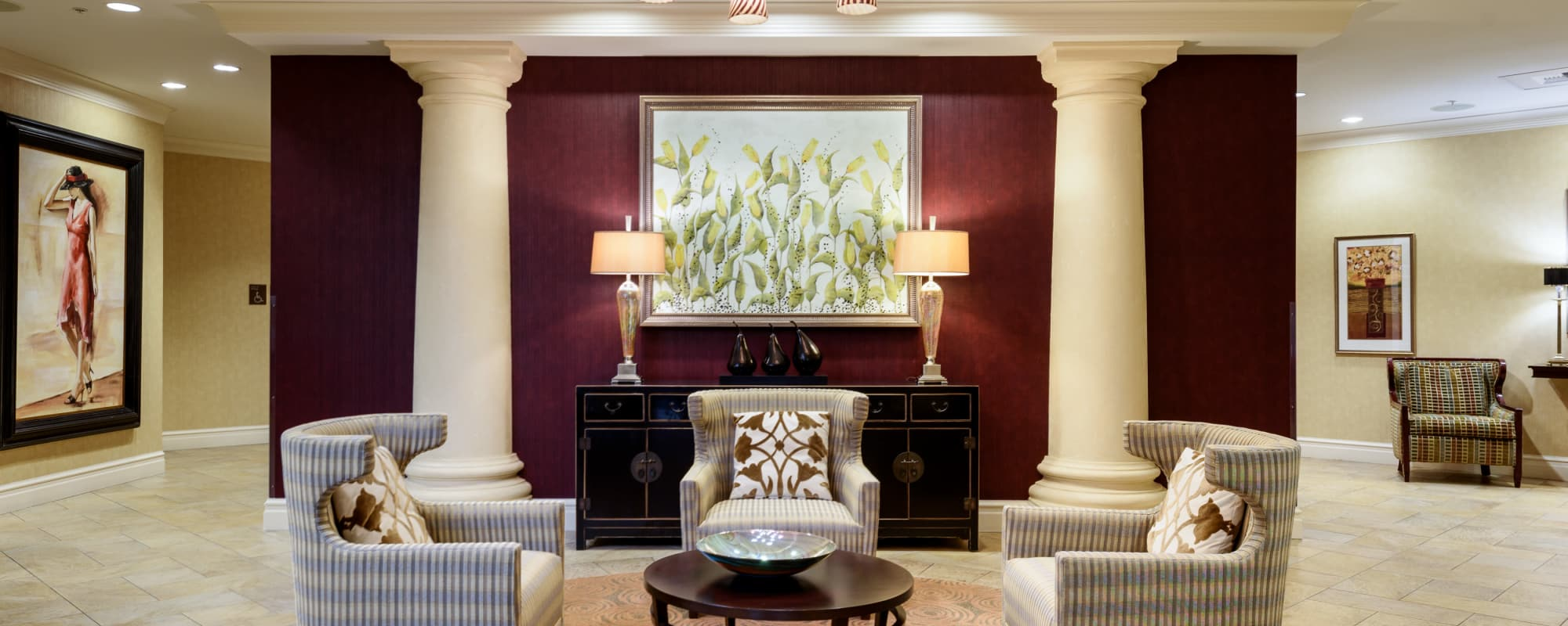 The Bellettini offers a common area in Bellevue, Washington