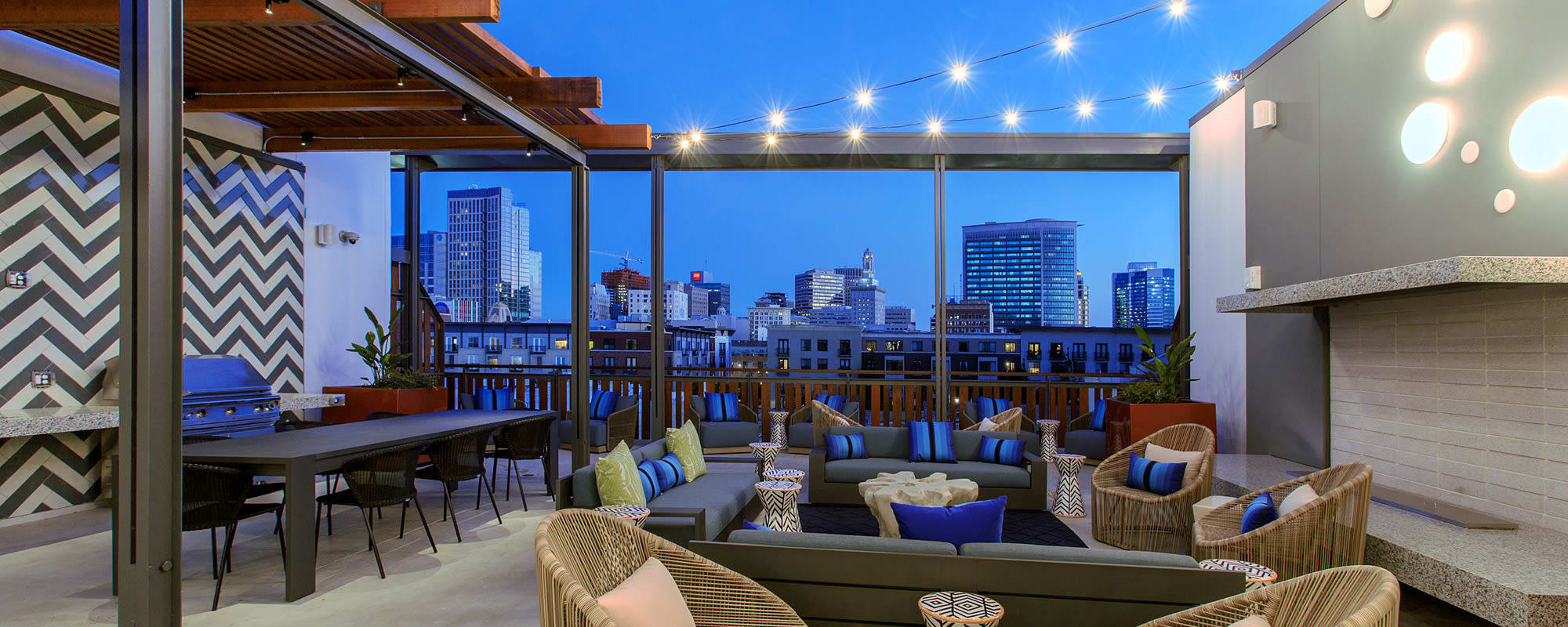 Rooftop terrace with amazing views of Oakland
