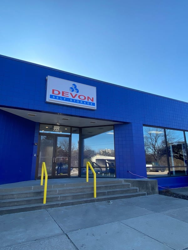 Front leasing office at Devon Self Storage in Cincinnati, Ohio