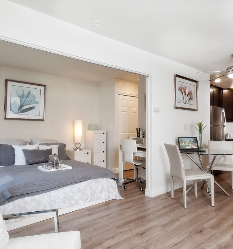 Bright, well decorated bedroom at Palo Alto Plaza in Mountain View, California