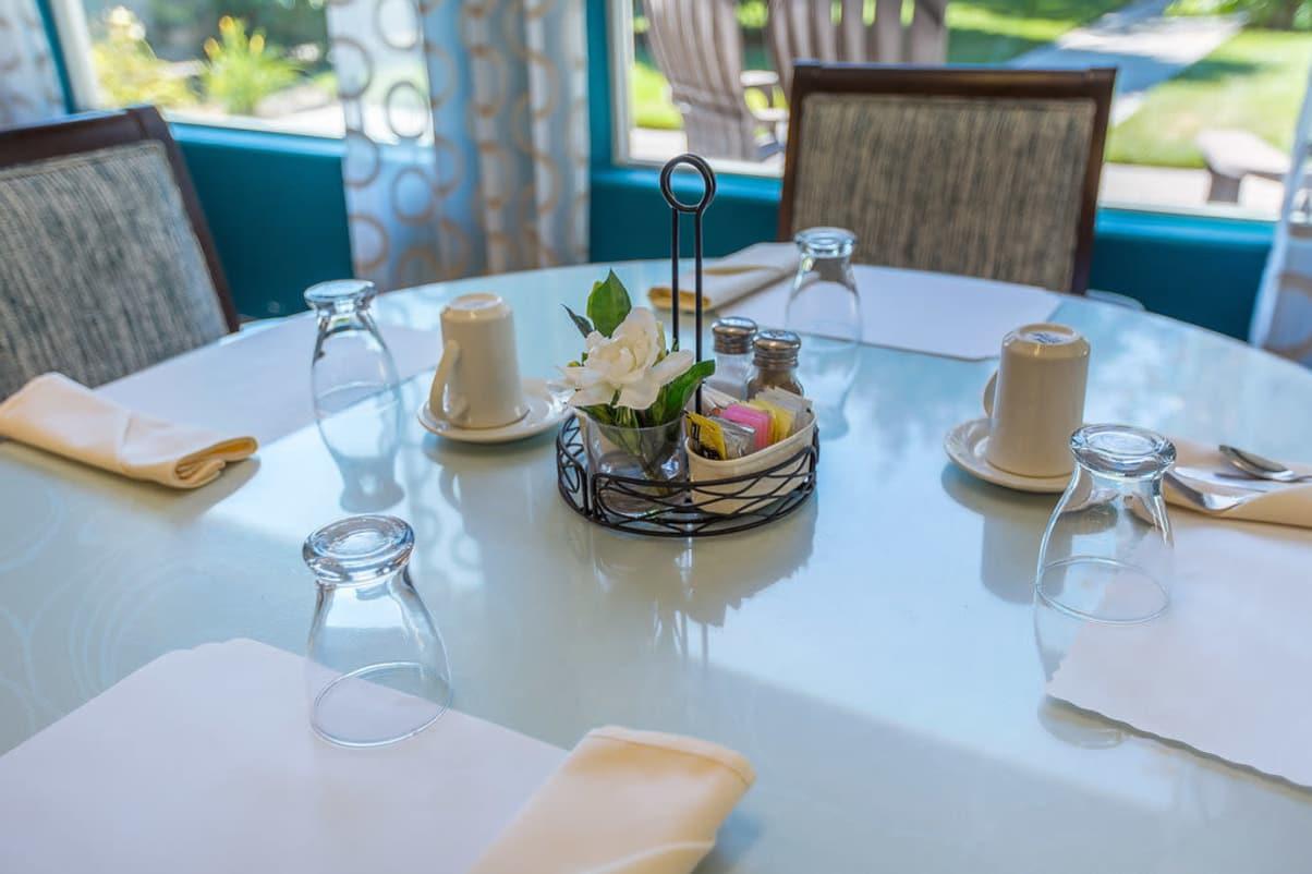 Dining table at Sun Terrace Hermiston