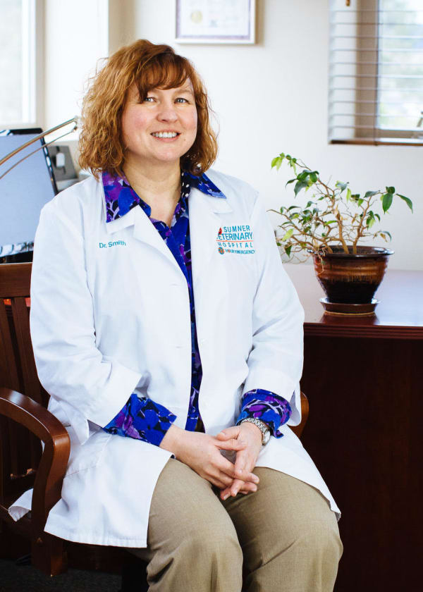 Dr. Amy Smith, Vaterinarian in Sumner