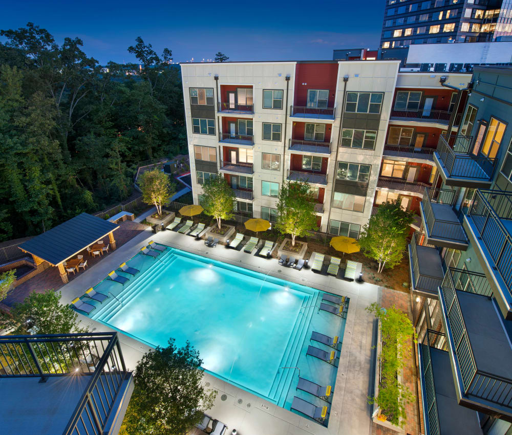 Resort style swimming pool at City View Vinings in Atlanta, Georgia