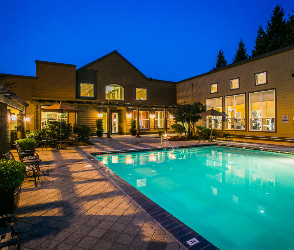 Resort style swimming pool at The Colonnade Luxury Townhome Rentals in Hillsboro, Oregon