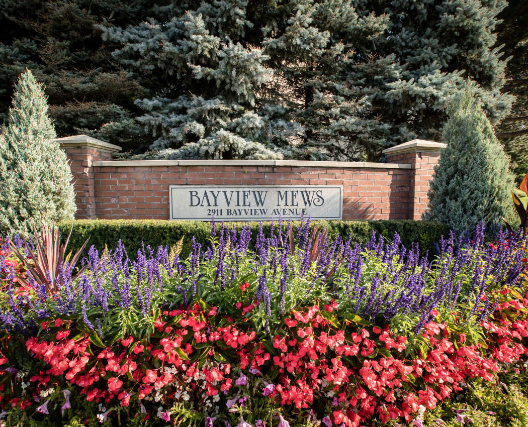Beautiful entryway at Bayview Mews in North York, Ontario