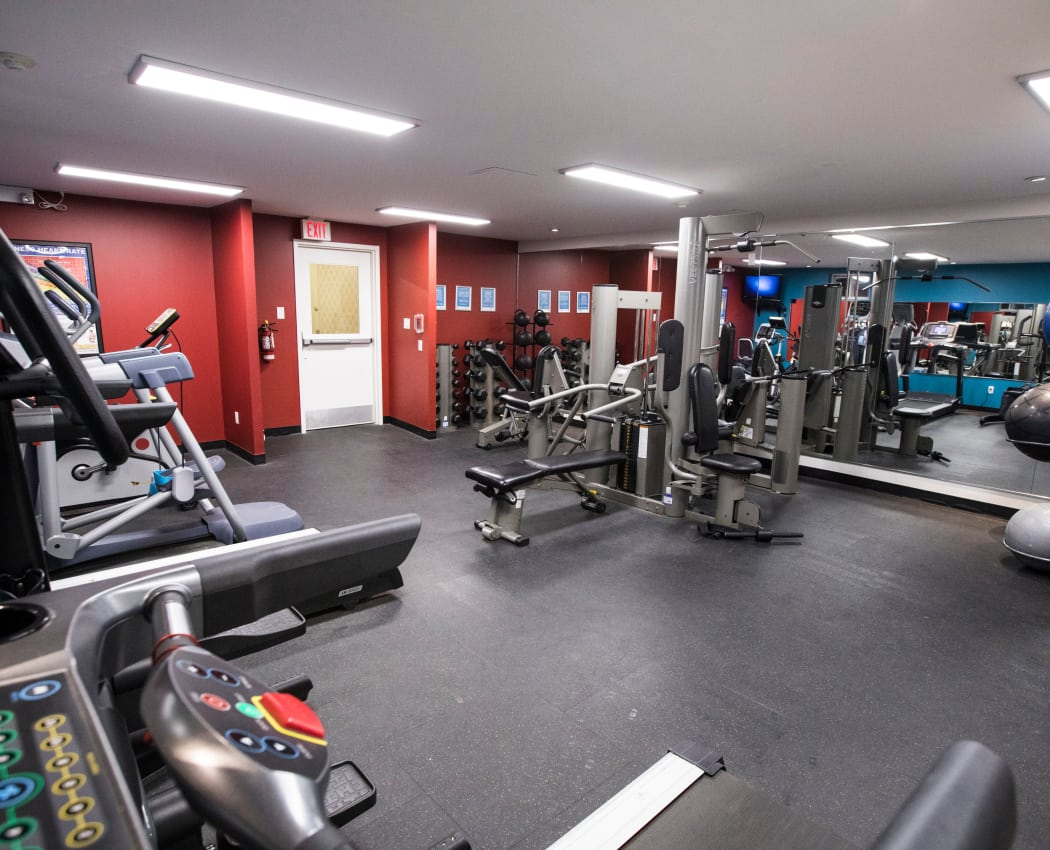 Modern fitness center at apartments in North York, Ontario