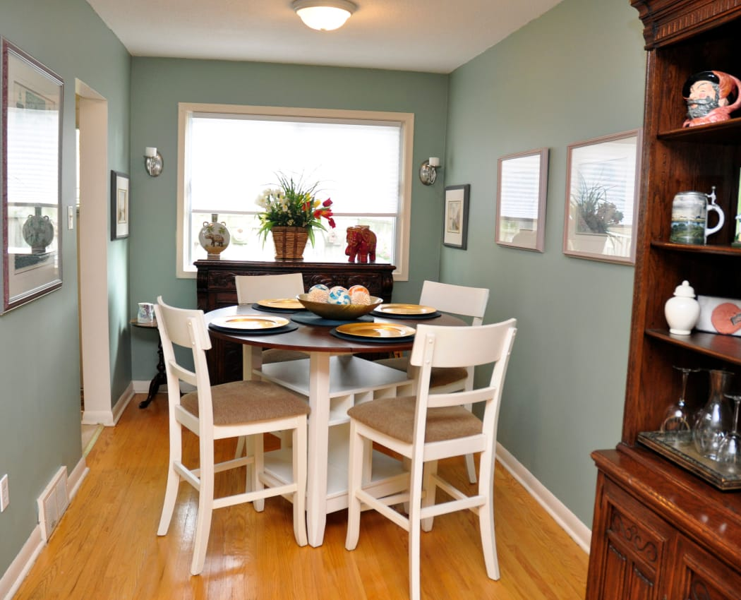 Enjoy a spacious dining area at Georgian Court Estates in Burlington