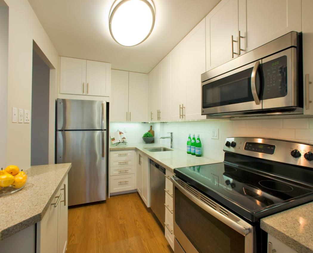 Beautiful kitchen at Richmond Hill Apartments in Richmond Hill