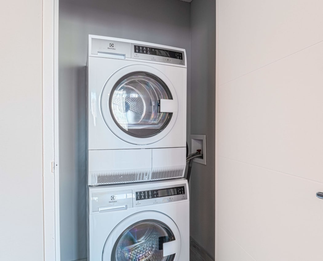 In-home Washer & Dryer at Mississauga Place in Mississauga, ON