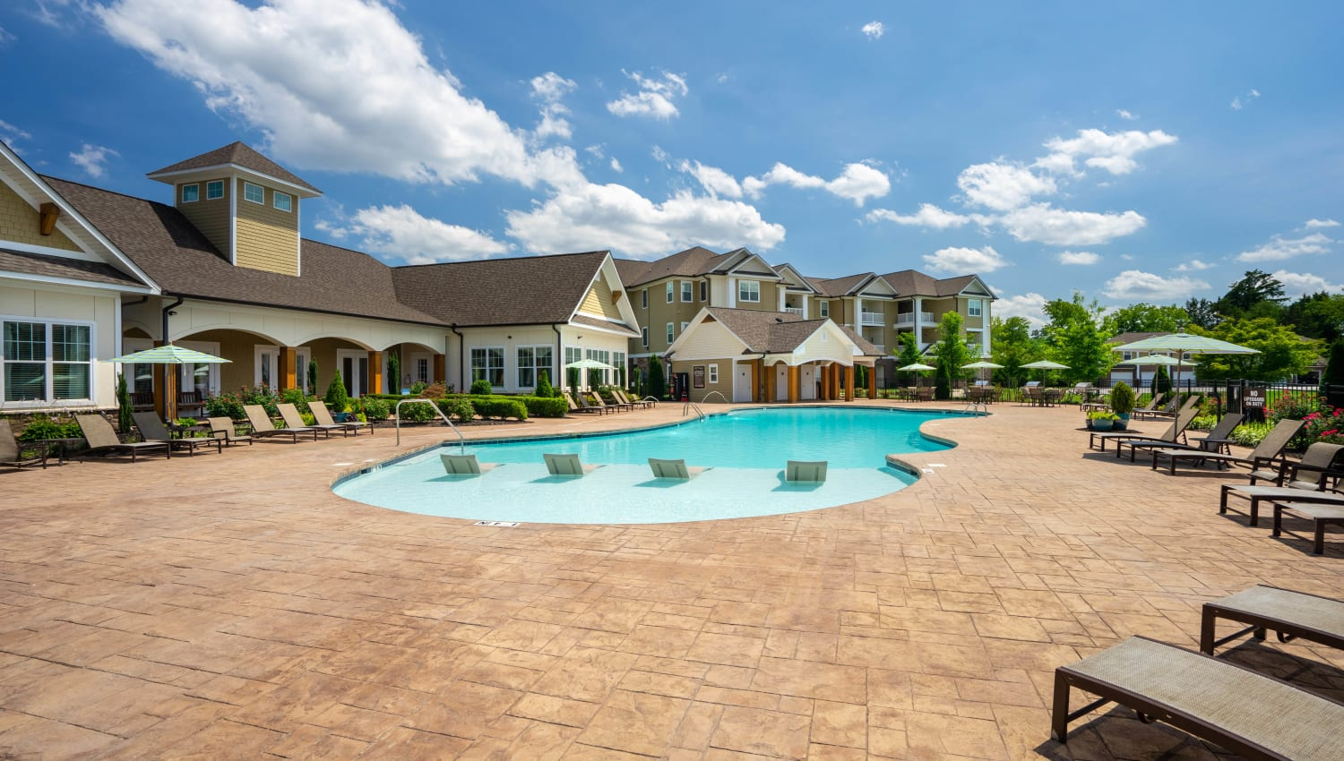 Spacious swimming pool area at Legends at White Oak in Ooltewah, Tennessee