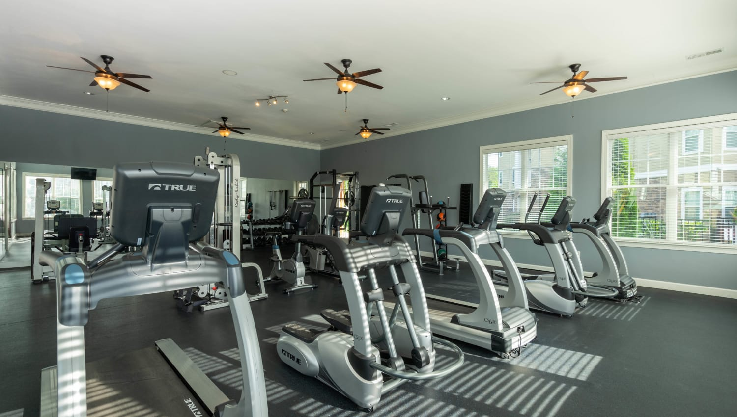 Well-equipped onsite fitness center at Legends at White Oak in Ooltewah, Tennessee