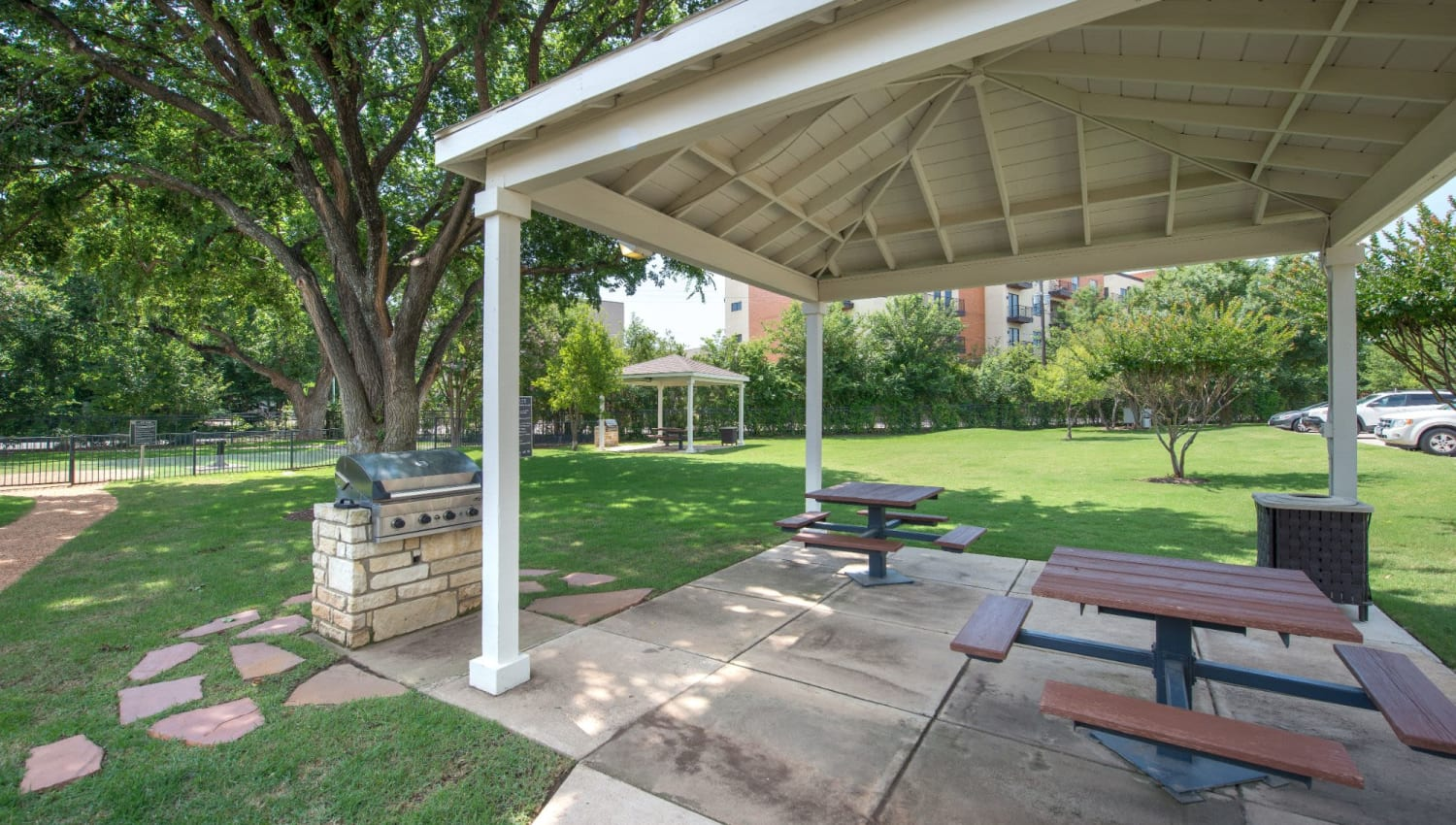 Gazebo and grill at Olympus 7th Street Station in Fort Worth, Texas