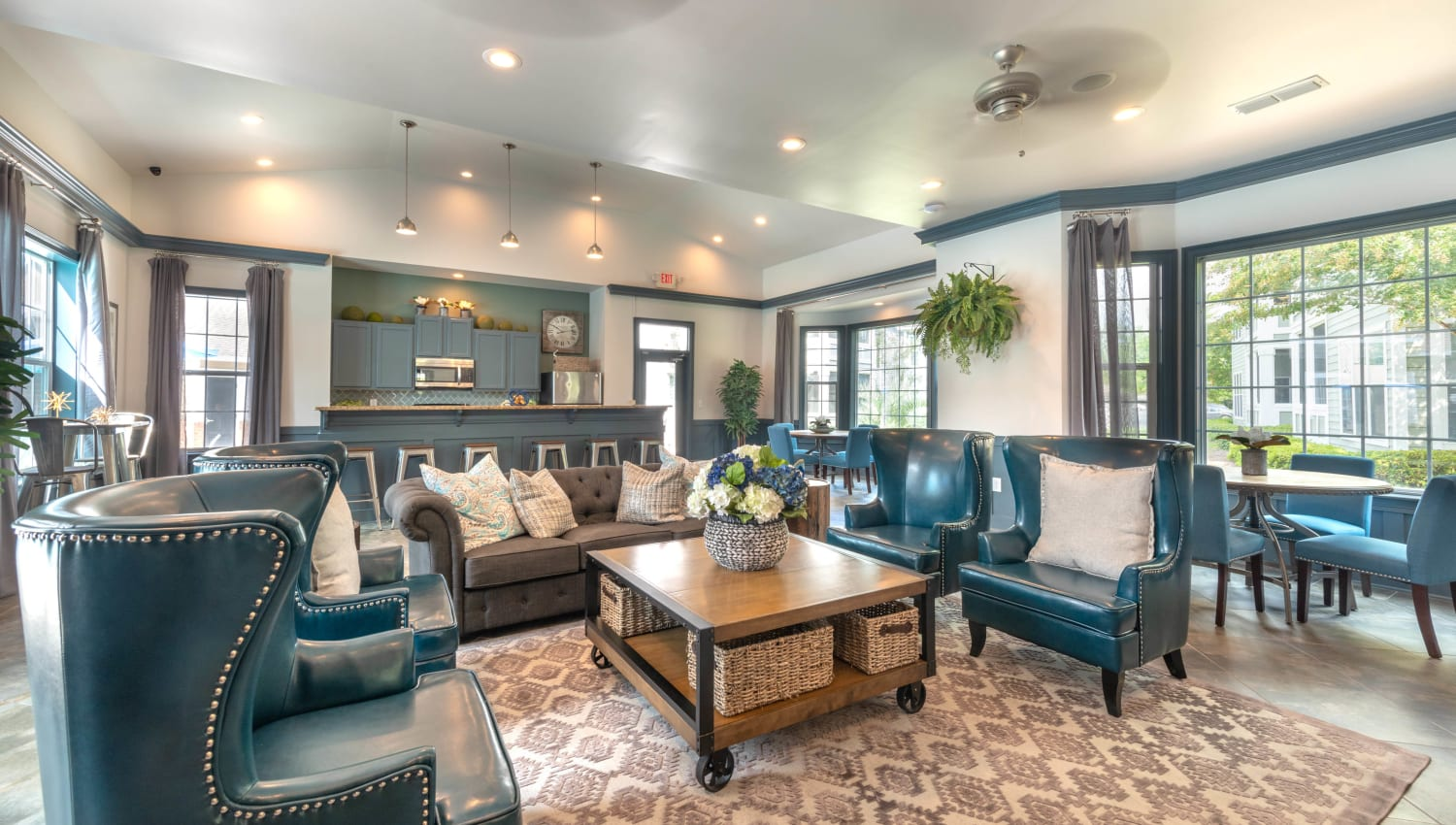 Resident lounge in the clubhouse at Olympus Fenwick in Savannah, Georgia