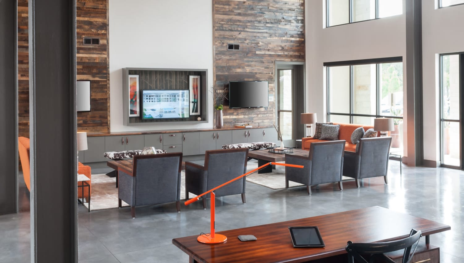 Resident lounge at Olympus Auburn Lakes in Spring, Texas