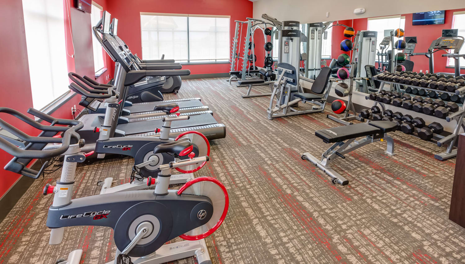 Well-equipped onsite fitness center at Granite 550 in Casper, Wyoming