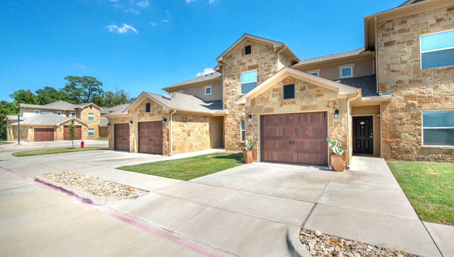 Private garages available at Olympus Willow Park in Willow Park, Texas
