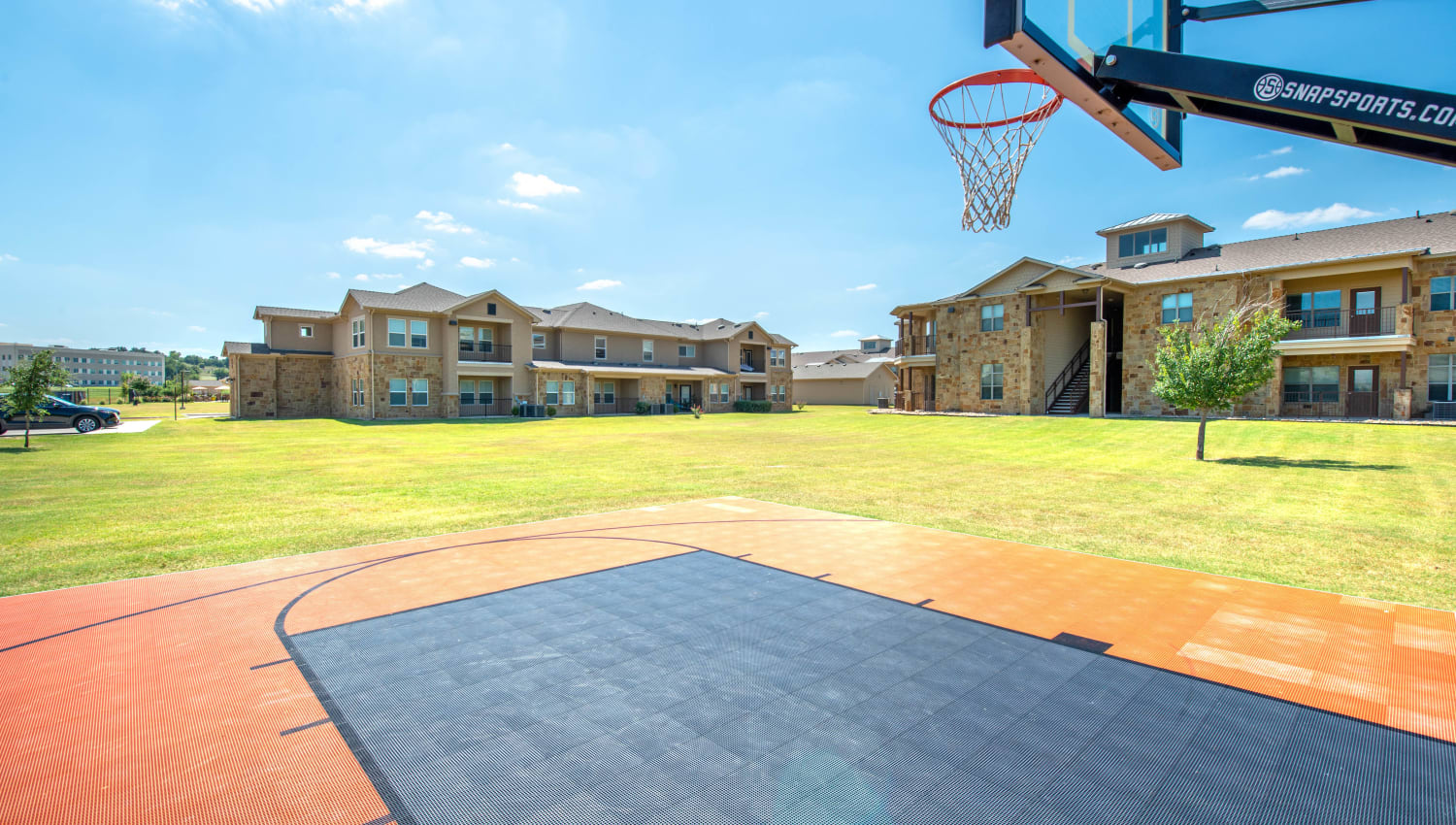 Onsite basketball court at Olympus Willow Park in Willow Park, Texas